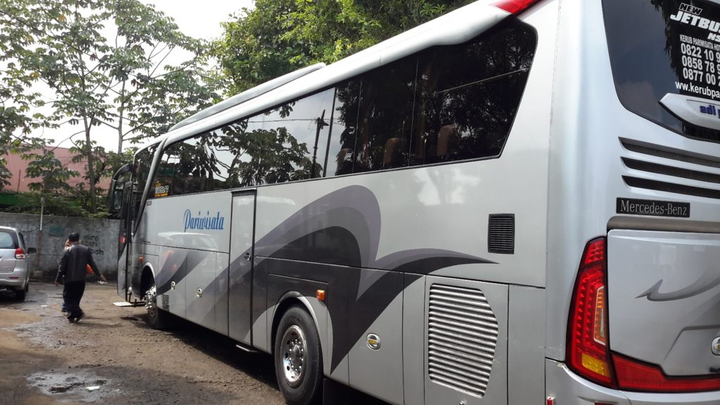Bus Pariwisata 50 Seat
