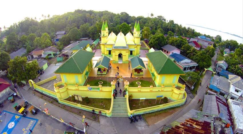 Wisata Sejarah Budaya Melayu di Pulau Penyengat Bintan