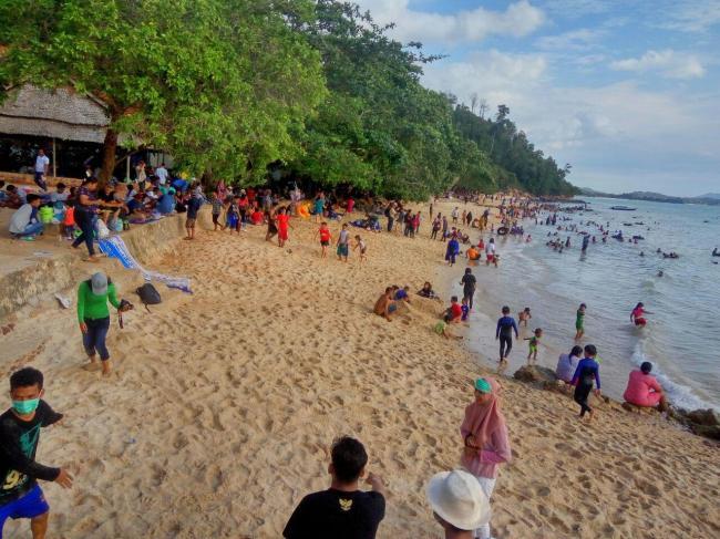 Pantai Mirota Sepotong Kecil Surga Di Kota Industri