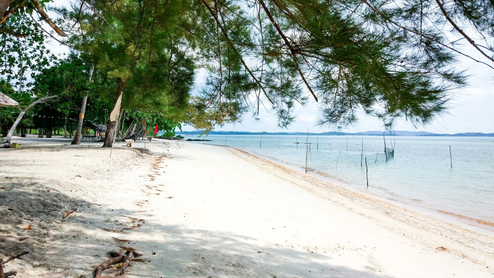 Piknik Ngadem Ke Pantai Tegar Putri Galang Baru Batam